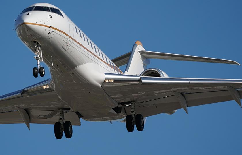带着Alpha 9+SEL200600G体验飞机拍摄