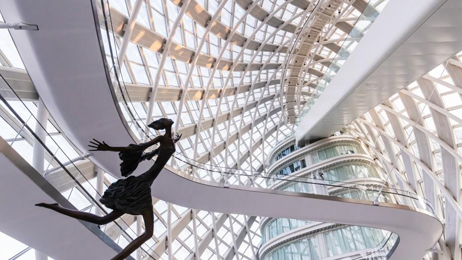 作者:全球建筑�Y�